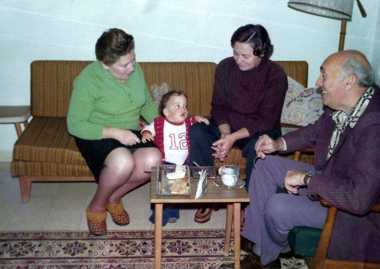 Arik with Masha, Eva and Emil